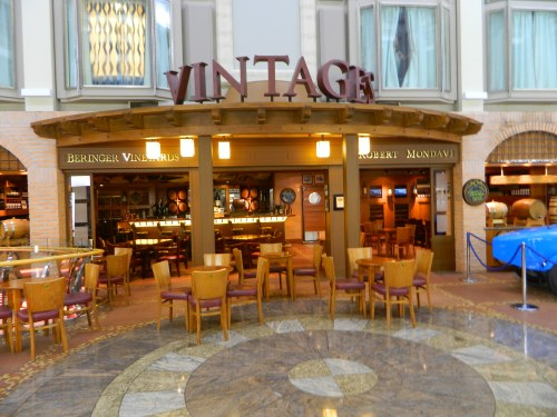 Navigator of the Seas:   Vintages Wine Bar in Royal Promenade