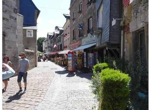 Honfleur sidestreet as our tour began
