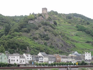 CE Share Janet K Castle along the Middle Rhine