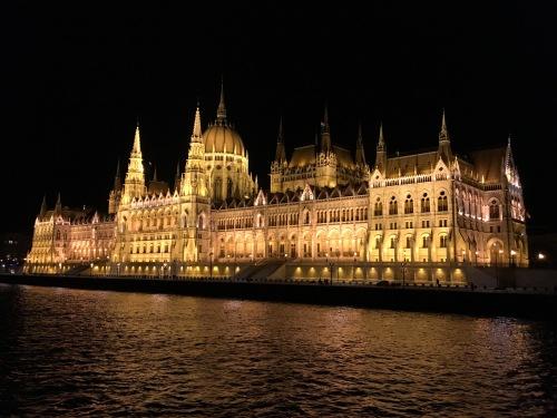 CE Share David M. Budapest