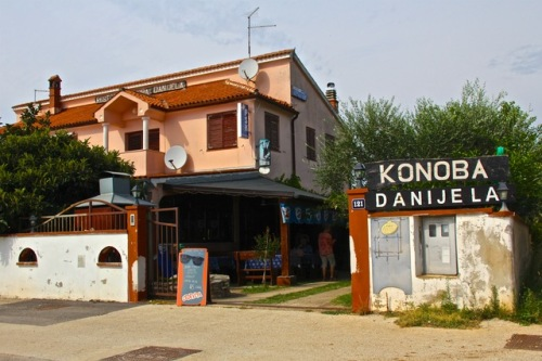 CE Share Susan B Croatia 10 Backroads between Rovinj and Pula in Istria Peninsula. Konoba=restaurant