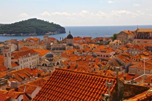 CE Share Susan B Croatia 43 Dubrovnik - walk along the wall
